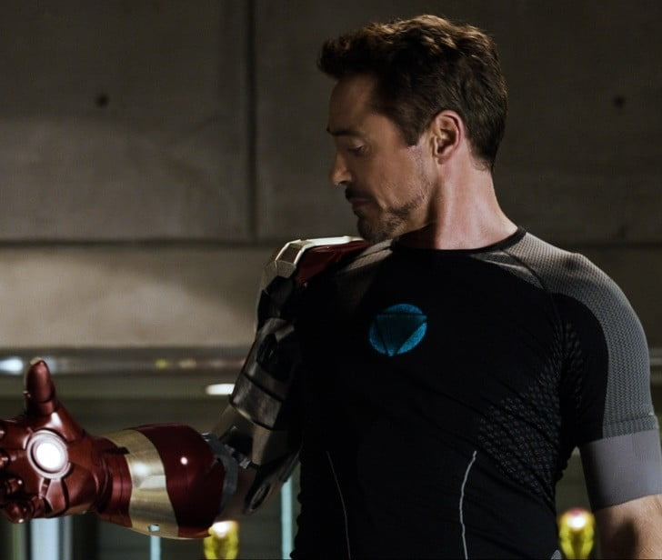 Tony Stark wearing black grey compression T Shirt in Iron Man 3