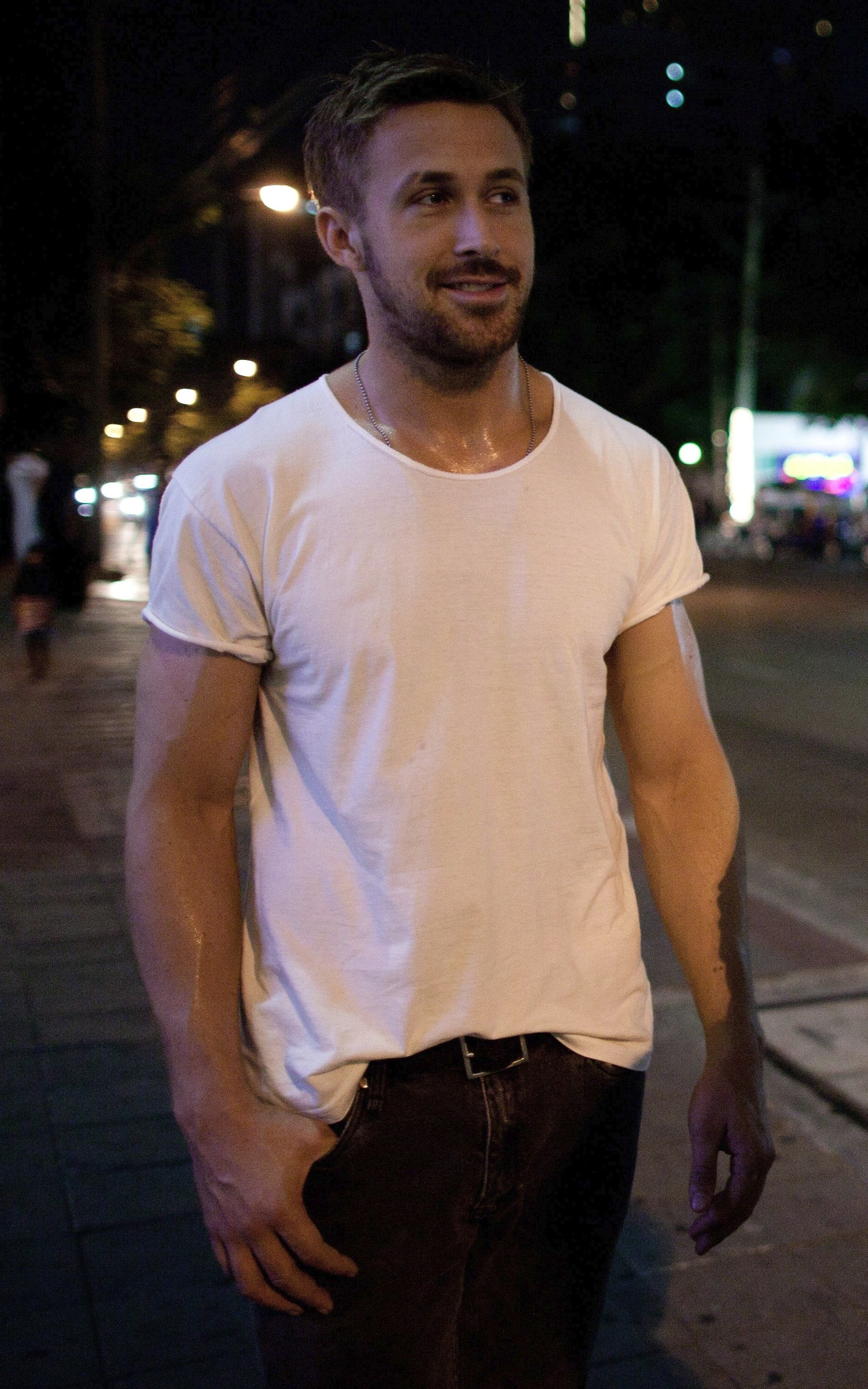 Anybody here wear t-shirts with rolled sleeves besides me? (pic ...