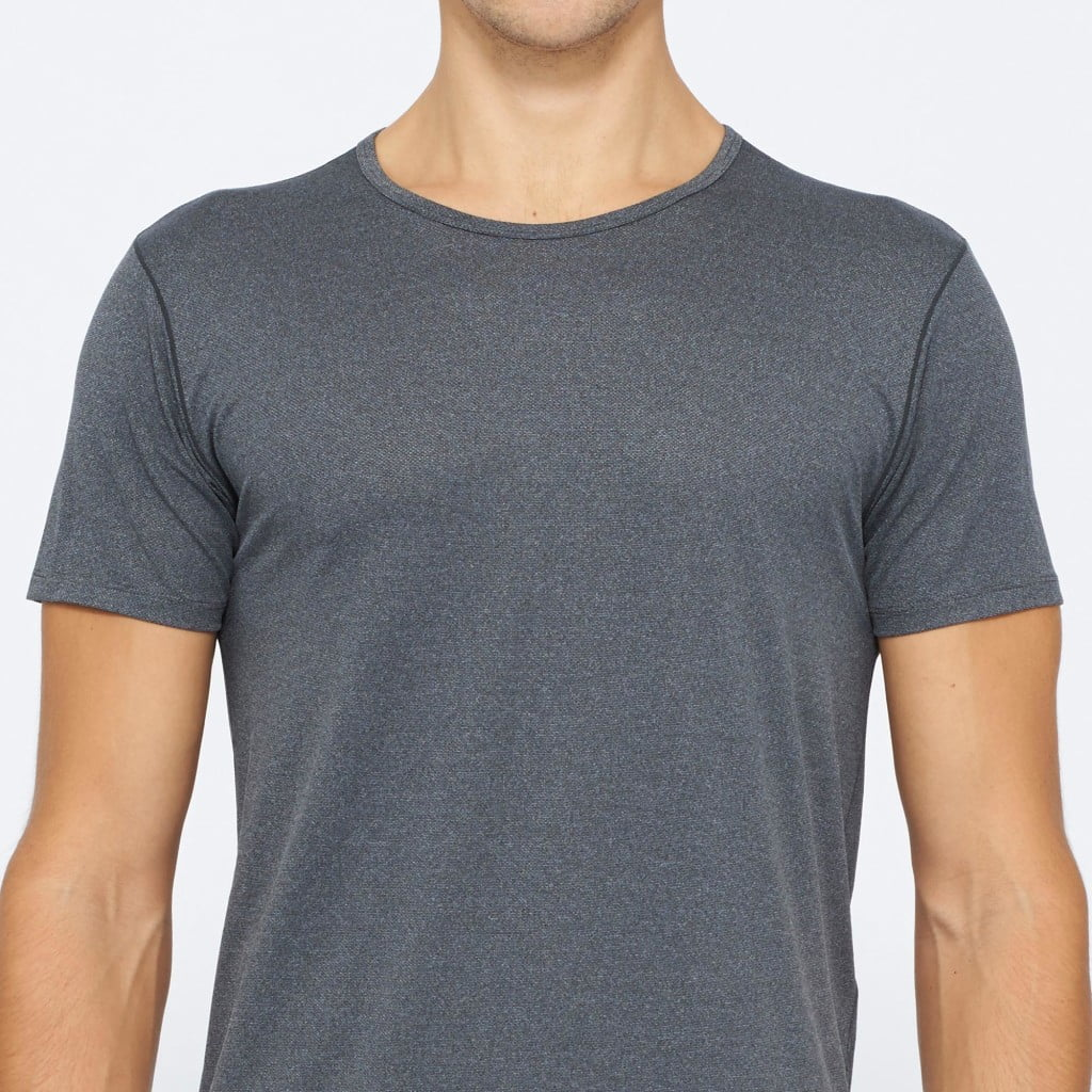 uniqlo-airism-grey-crew-neck-undershirt