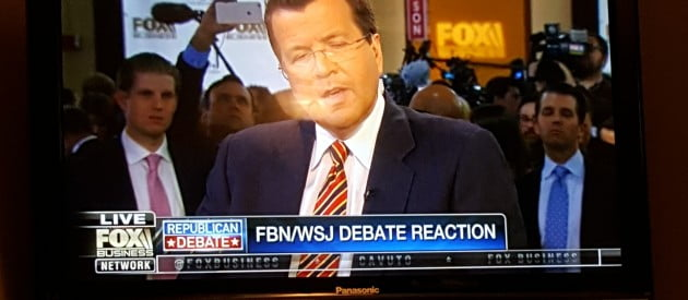 Trump Stages Amazing Scene At Post GOP Debate Interview (11/10/15)